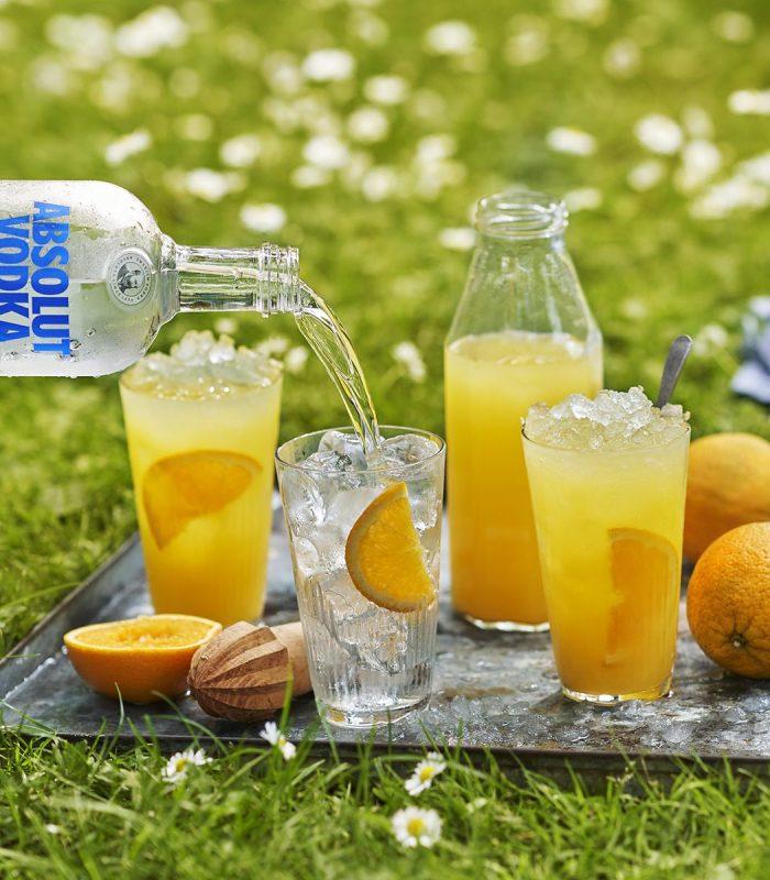 Bébete el Pantone de la temporada. Cocktails en amarillo: alegres, vibrantes y del color de esta primavera